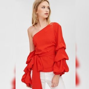 Tops - 🌺One shoulder ruffle blouse 🌺